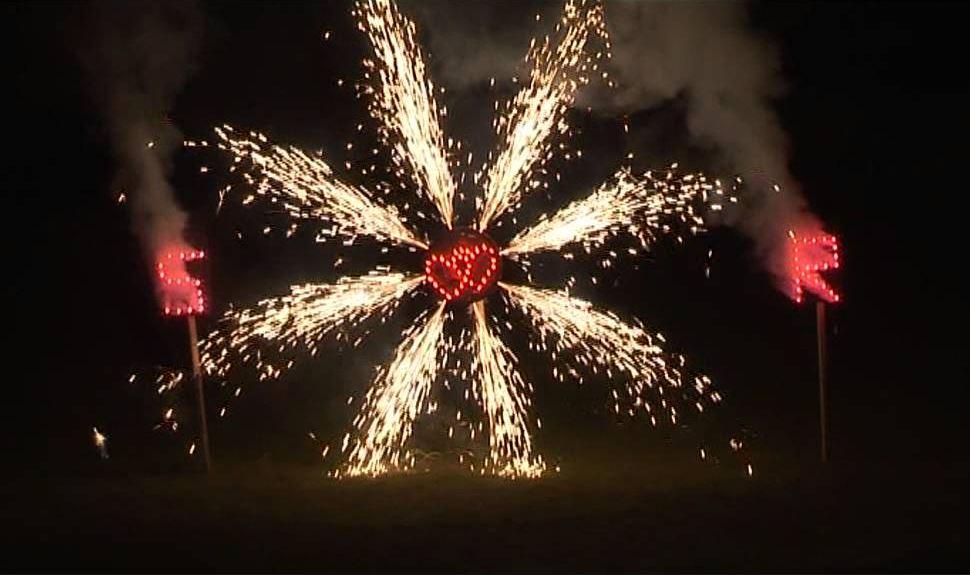 Chase Lane Fireworks Lance work Wedding fireworks